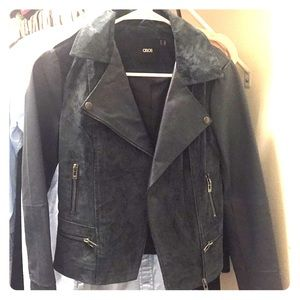 Moto style jacket. Leather sleeves _suede middle.